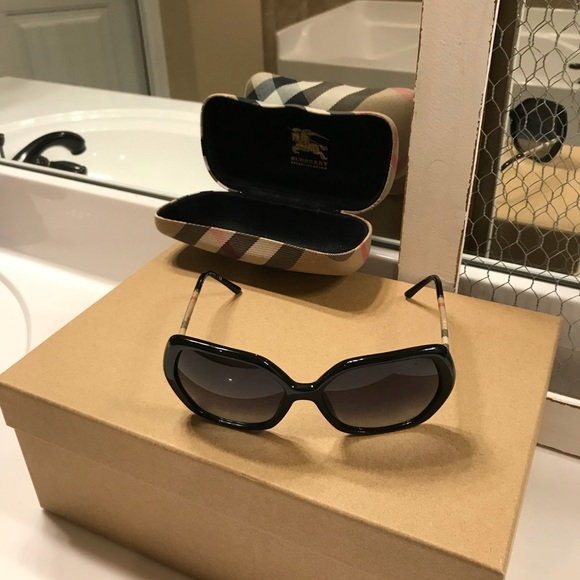 f917b4779a31 Burberry Accessories | Womens Be4122 Sunglasses 30018g Black | Poshmark